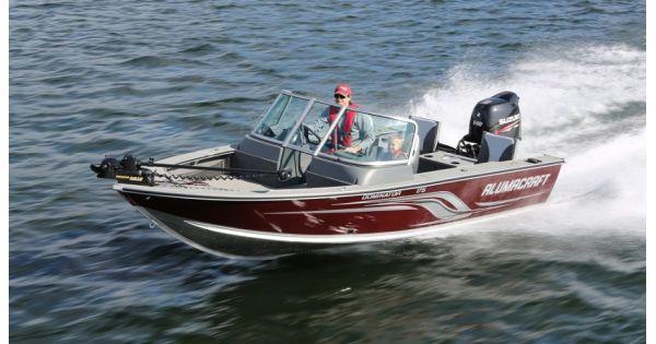 управление маломерным судном с подвесным мотором